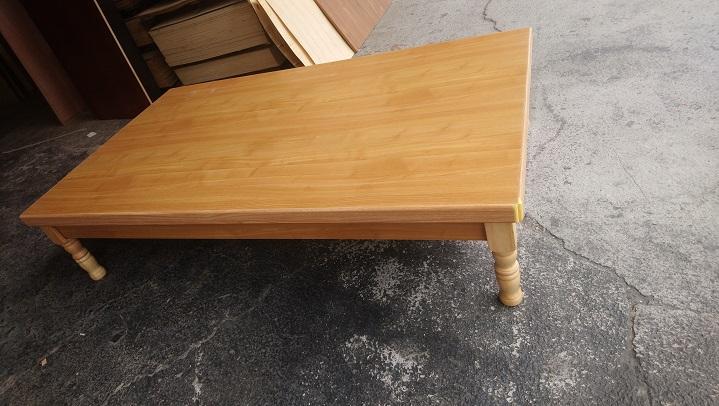 高腳床-單人加大3.5尺-採用厚度最高六分木心板-桌腳可自行加高(圖為赤楊色)-高雄高腳床底